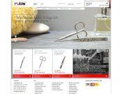 Schweizer Präzision trifft Design - so edel kann das Shoppen von Pinzetten und Scheren sein.
