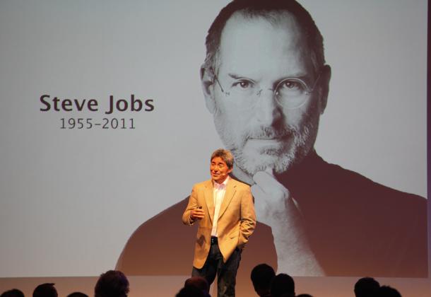 Guy Kawasaki erzählt auf dem conversionSUMMIT in Frankfurt von der Zusammenarbeit mit Steve Jobs - viele Prinzipien sind in der Conversion Optimierung direkt anwendbar.