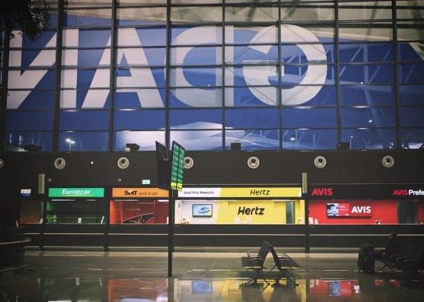 Autovermietung Flughafen: Welcher Anbieter birgt das geringste Risiko?