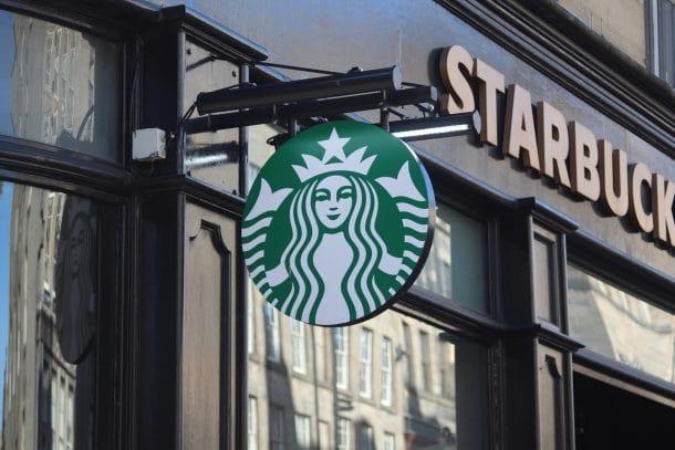Anker-Effekt: Starbucks vs. Dunkin Donuts